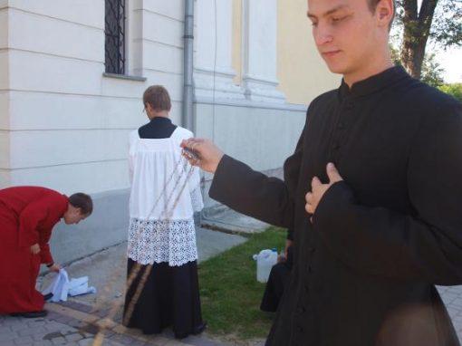 Przygotowania do liturgii.